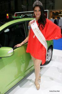 električni avti in miss Earth - Ženeva 2013