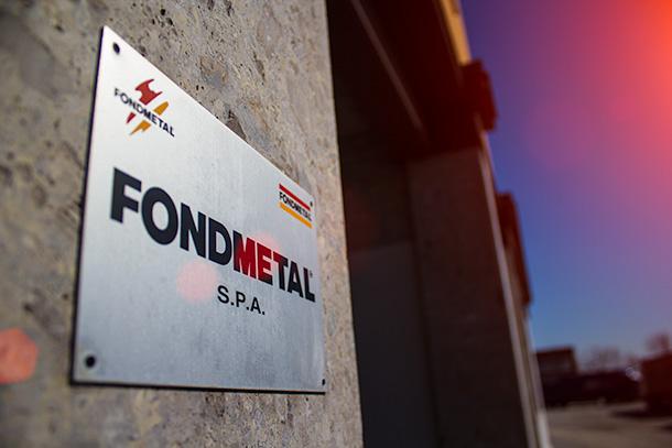 fondmetal logo na testni 2013