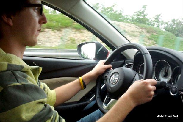 mazda6 med vožnjo test 2013