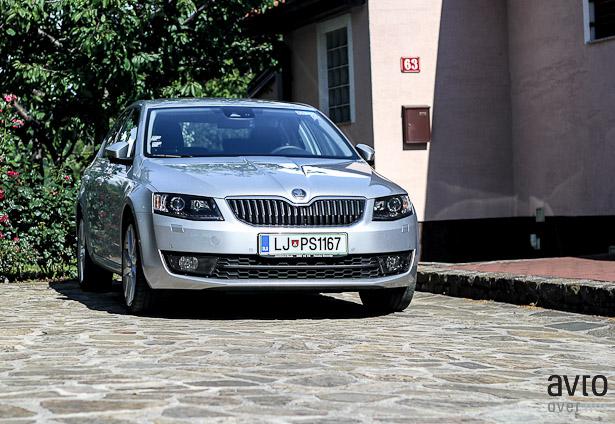 Škoda Octavia je izjemno klasično oblikovana in ustvarjena, da kljubuje času.