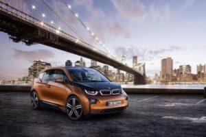 BMW i3 je prvi premium avtomobil na svetu, ki je bil v sami osnovi zasnovan za izključno električno mobilnost.