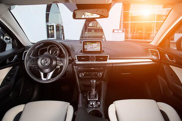 Mazda3_interior_2013_01