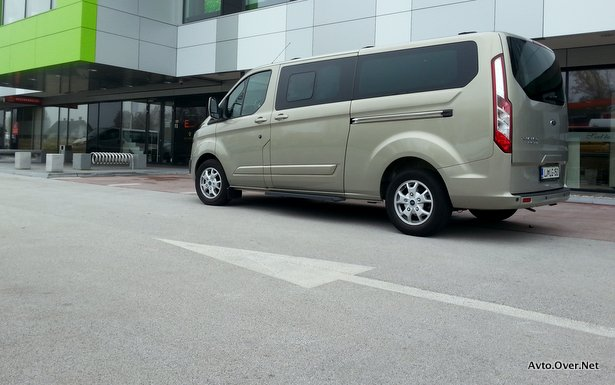 Ford Tourneo Custom L2 H1, 2.2TDCi Limited 2013