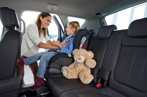 Opel Meriva notranjost mami in otrok 2014