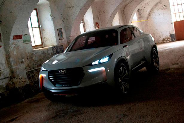Hyundai Intrago