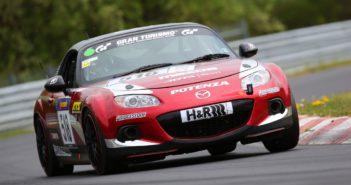 Mazda MX-5 bo tekmovala v kategoriji V3: NC soft-top, 2,0-litrski atmosferski motor, kategorija brez predelav