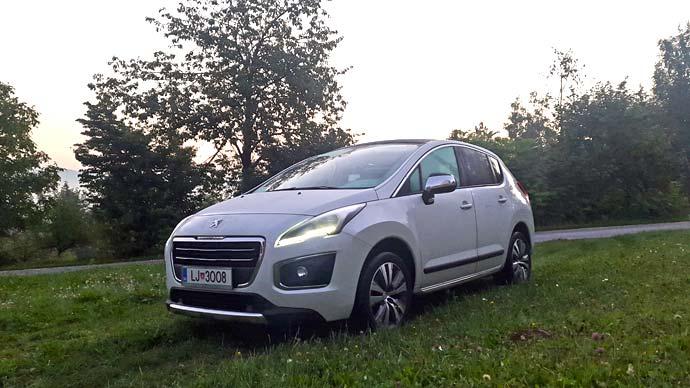 peugeot-3008-druzinski-avtomobil