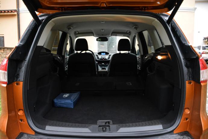 Volumen prtljažnega prostora znaša 456 oz. 1.653 litrov