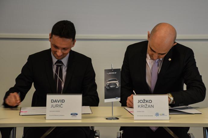 Ford je tudi za prihajajočo sezono podpisal pogodbo s Smučarsko zvezo Slovenije - lani so slovenski športniki in ekipe s Fordovimi vozili prevozili 1,5 milijona kilometrov. Ta številka naj bi se letos povečala na 2.