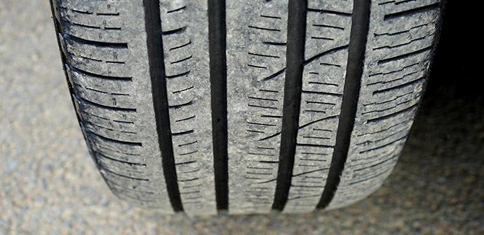 Koliko profila morajo imeti letne pnevmatike pozimi?