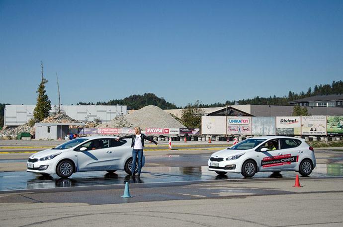 Pot ustavljanja avtomobila z letnimi pnevmatikami je bila pri hitrosti 60km/h kar 5 metrov daljša.