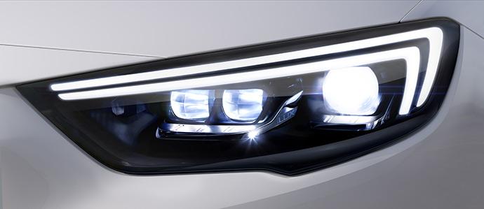 led-insignia-luci