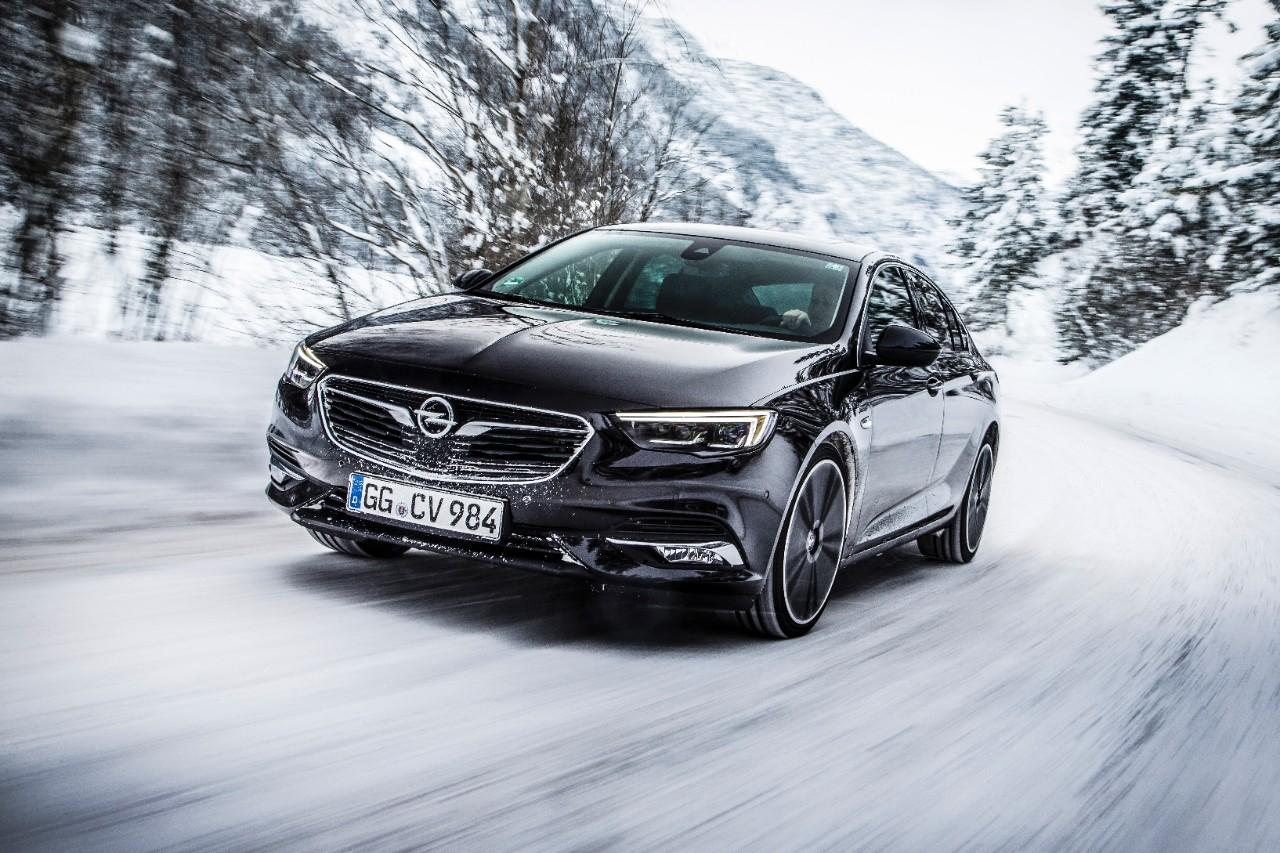 Štirikolesni pogon z nadzorom vektorjev navora za novo Opel Insignio