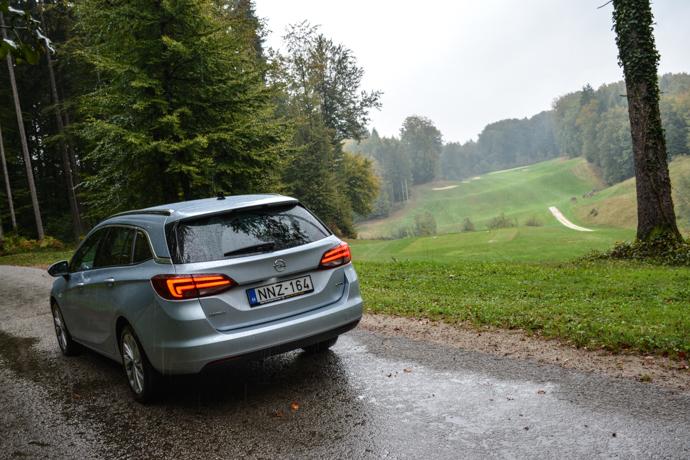 Opel Astra Sports Tourer test