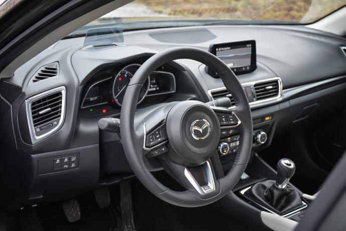 Mazda 3 volan
