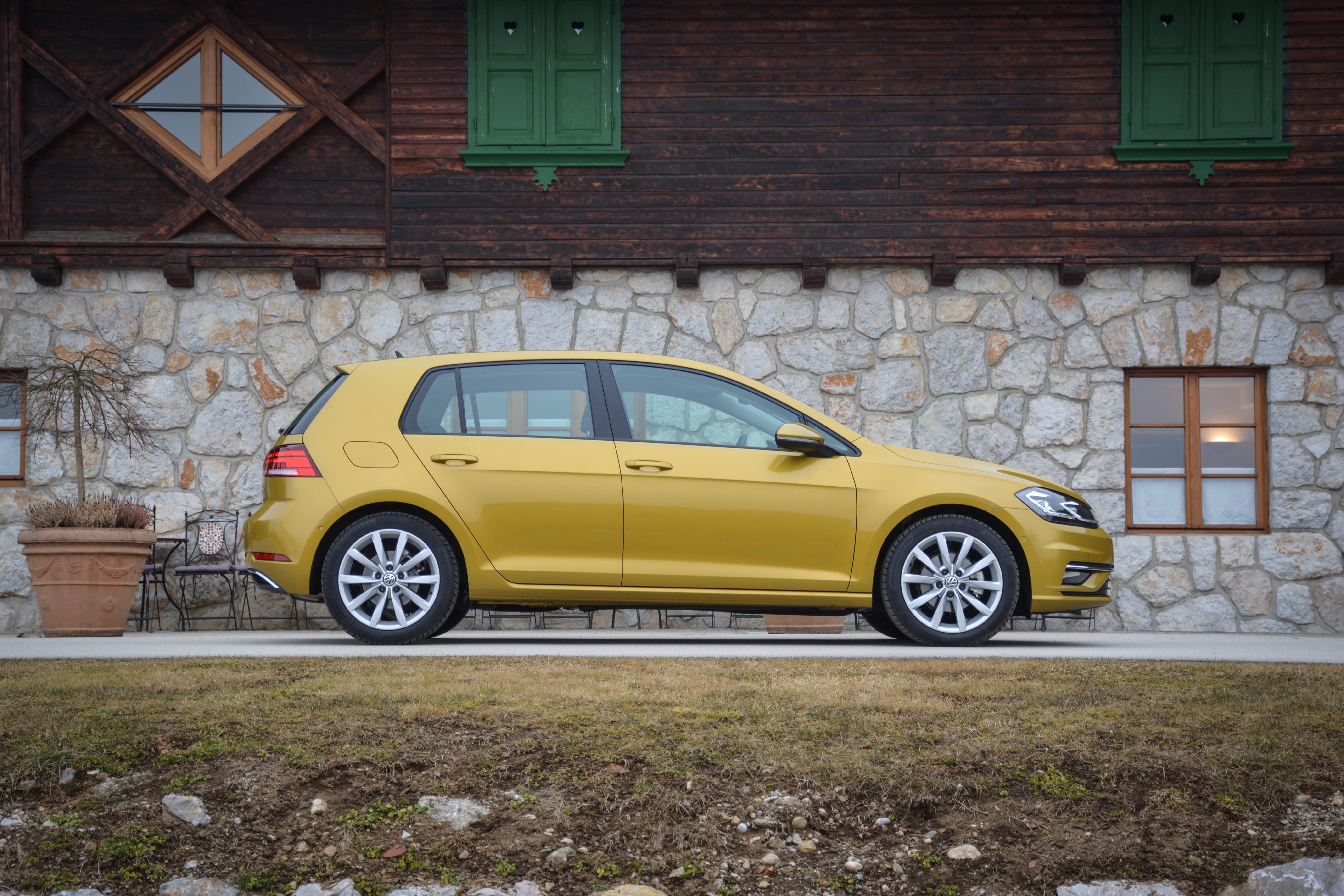 Novo doma: Volkswagen Golf (osvežitev za VII. generacijo)