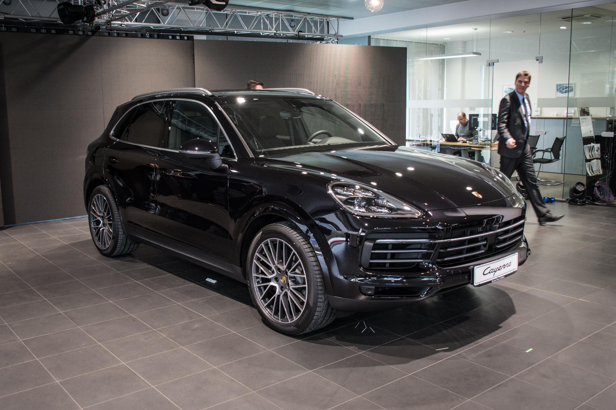 Novo doma: Porsche Cayenne (še nikoli tako blizu športnim modelom znamke)