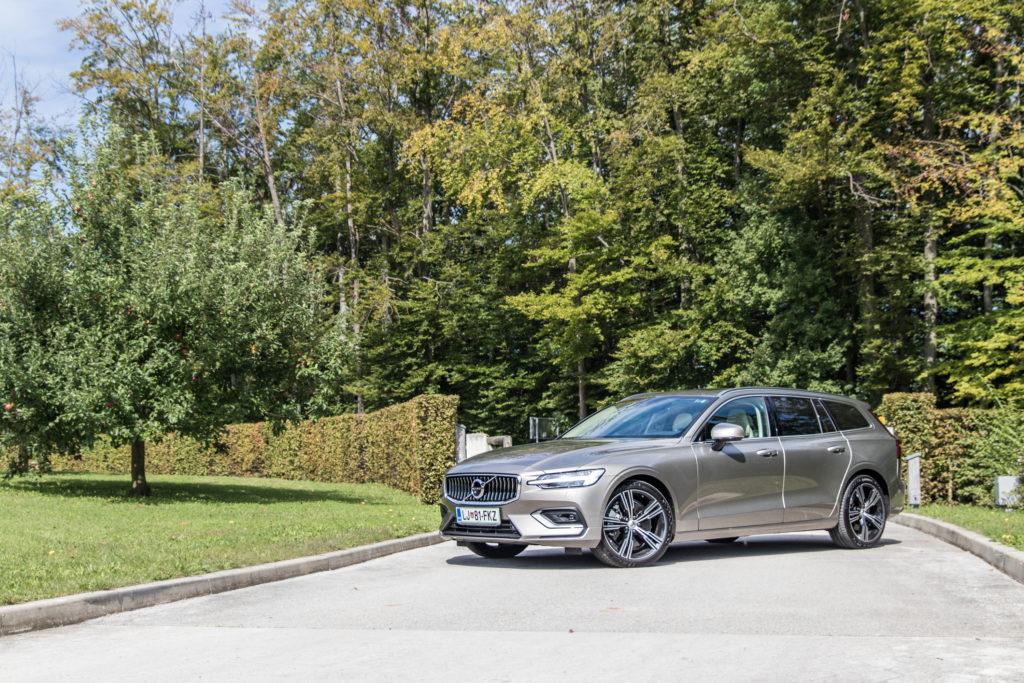 Volvo V60.