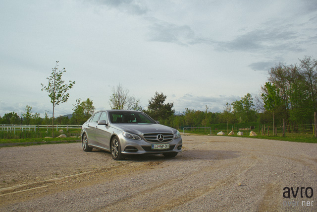 Mercedes-Benz E300 Bluetec Hybrid