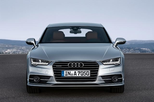Za začetek so pri Audiju za A7 Sportback pripravili pet zmogljivih in visoko učinkovitih motorjev, dva bencinska in tri dizelske.