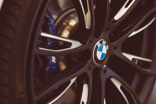 Vsi deli dodatne opreme BMW M Performance so na voljo posamično, kar kupcem omogoča, da se med vsemi ponujenimi opcijami sami odločijo, kateri športni dodatki najbolje dopolnjujejo njihov osebni stil