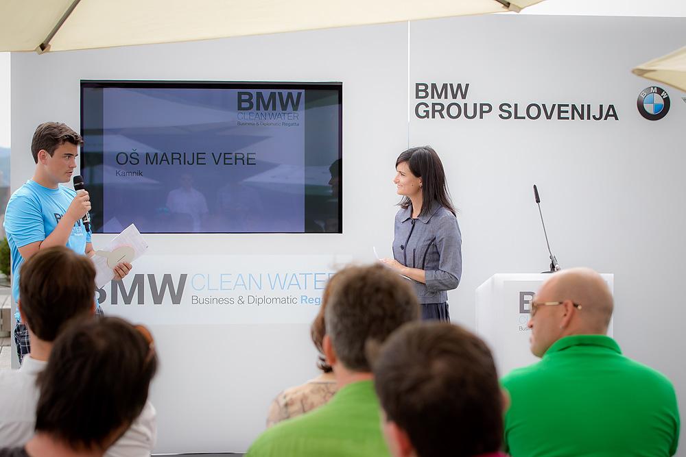 Predstavitev zmagovalnega projekta iz Slovenije: »Z vodo brez olja do čistega okolja«, ki so ga izdelali učenci iz OŠ Marije Vere Kamnik