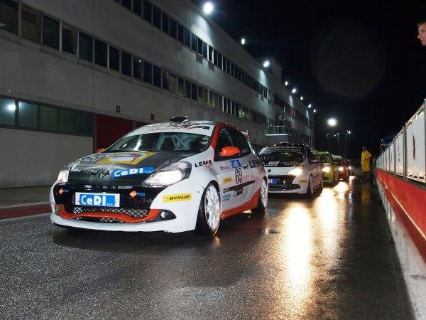 Marinšek se je na svoji prvi dirki vikenda soočil z dežjem in temo