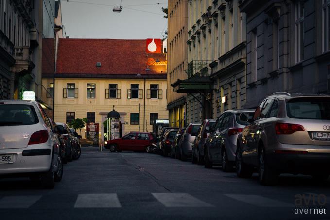 Parkiranje v Ljubljani je za občino postalo velik posel