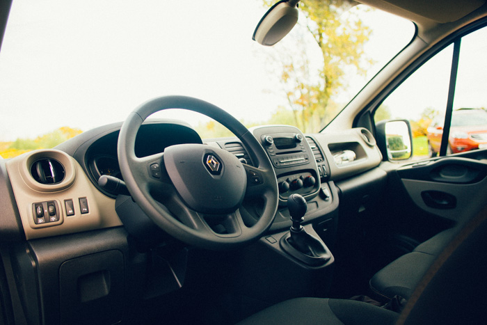 Po 34 letih tržnih uspehov in skupno 1,6 milijonih izdelanih primerkih je Renault letos pripravil tretji rod  svojega modela Trafic.