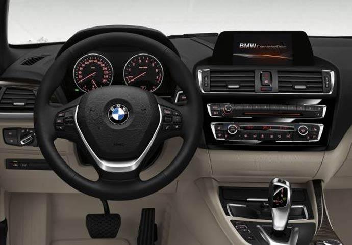 BMW-2-notranjost