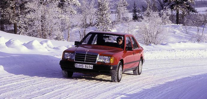 Mercedes-Benz-4Matic-726323