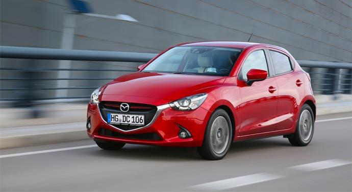 Mazda2_2015_action