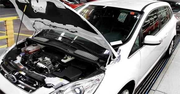 Ford-ecoboost-v-c-maxu-2012