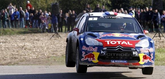 Za Citroën DS3 WRC, ki je bil prvič predstavljen leta 2011 po uvedbi novih predpisov, je pred vrati četrta dirkaška sezona. Potem ko je letos osvojil tri zmage, v Monte-Carlu, Argentini in Nemčiji, ostaja DS3 WRC na vseh vrstah terenov še vedno zelo hiter, tudi v primerjavi z novejšimi modeli.